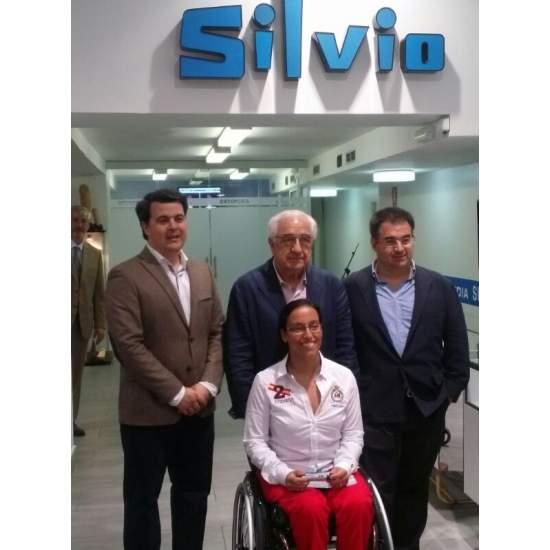 Silvio Orthopédie collabore avec Teresa Perales avec un fauteuil roulant