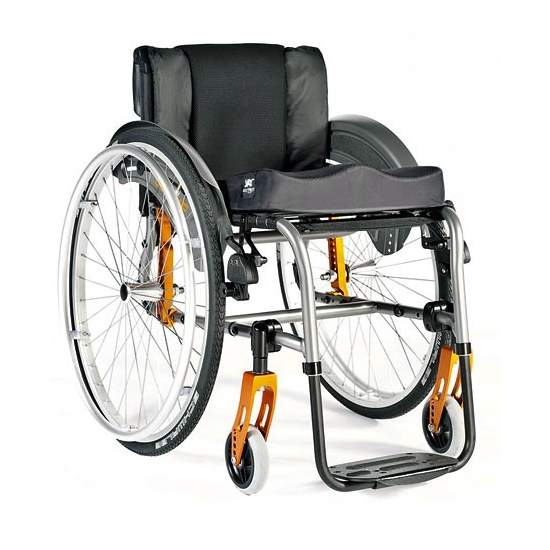Aluminum Wheelchair Quickie Life R - Quickie Life R is the aluminum chair with the best options and price relationship. Designed to meet the demands of modern life for its multiple settings and configuration options. Choose this version with fixed footrest for added...