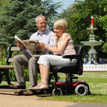 R120 en fauteuil roulant électrique