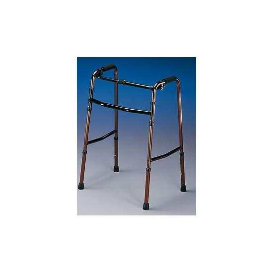 Andadores fijos de aluminio - Plegable y muy ligero. Ancho total 58 cm. Altura graduable de 79 a 91 cm. Peso total 2,5 kg. Peso máximo que soporta 100 kg.  Código prestación 12060003