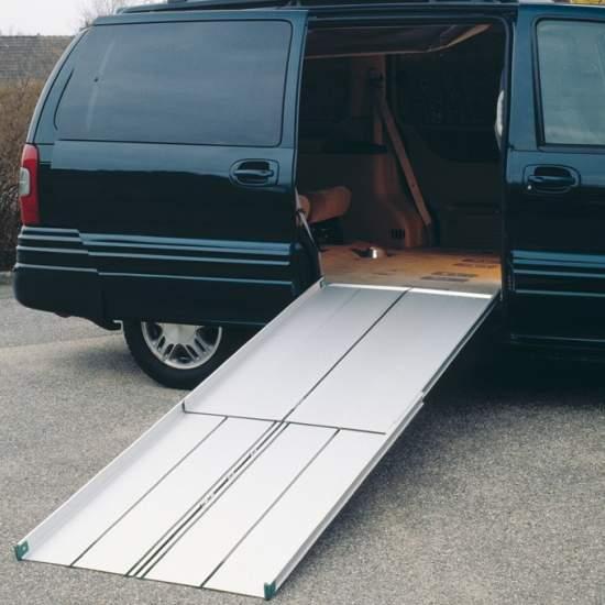 Rampas tipo maleta RM300 - Fabricadas en aluminio, son muy ligeras y fáciles de llevar, como una maleta.