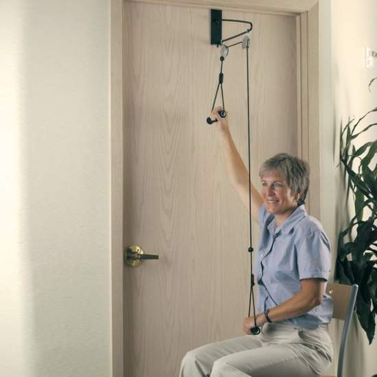 Polea de ejercicio H9200 - Para aumentar el tono muscular y aumentar el rango de movimientos de los brazos. Se coloca en las puertas y es fácil de usar. Incluye gancho para pared.