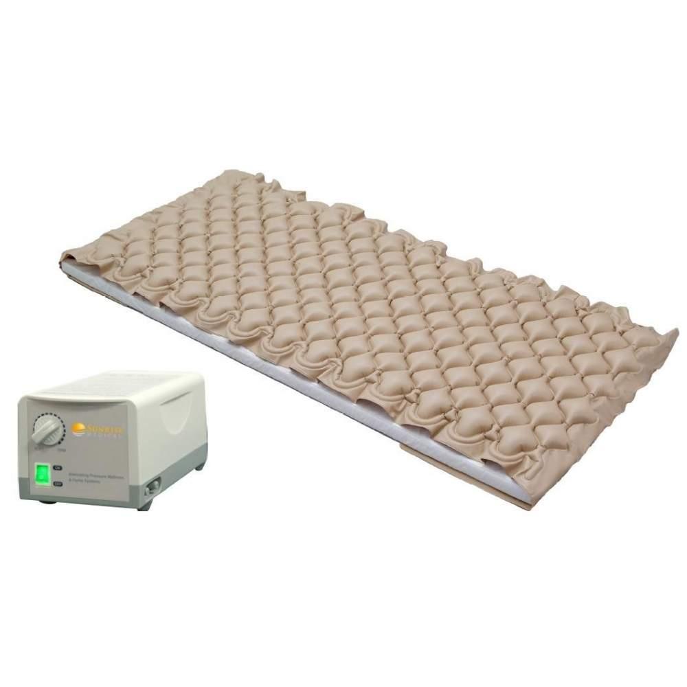 ANTIESACARAS MATELAS À AIR AVEC COMPRESSEUR avec régulation de pression - Compresseur d'air silencieux avec sortie réglable. Le matelas gonfle et se dégonfle leurs cellules alternativement 5 cm.