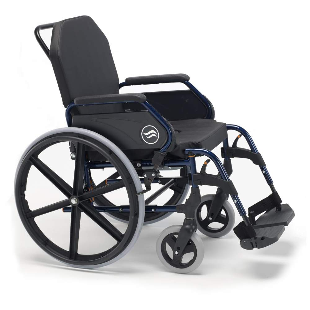 Breezy 3018A en fauteuil roulant - Breezy 3018A en fauteuil roulant  Inclinables dossier et les roues 125 mm Fauteuil roulant Breezy Accueil