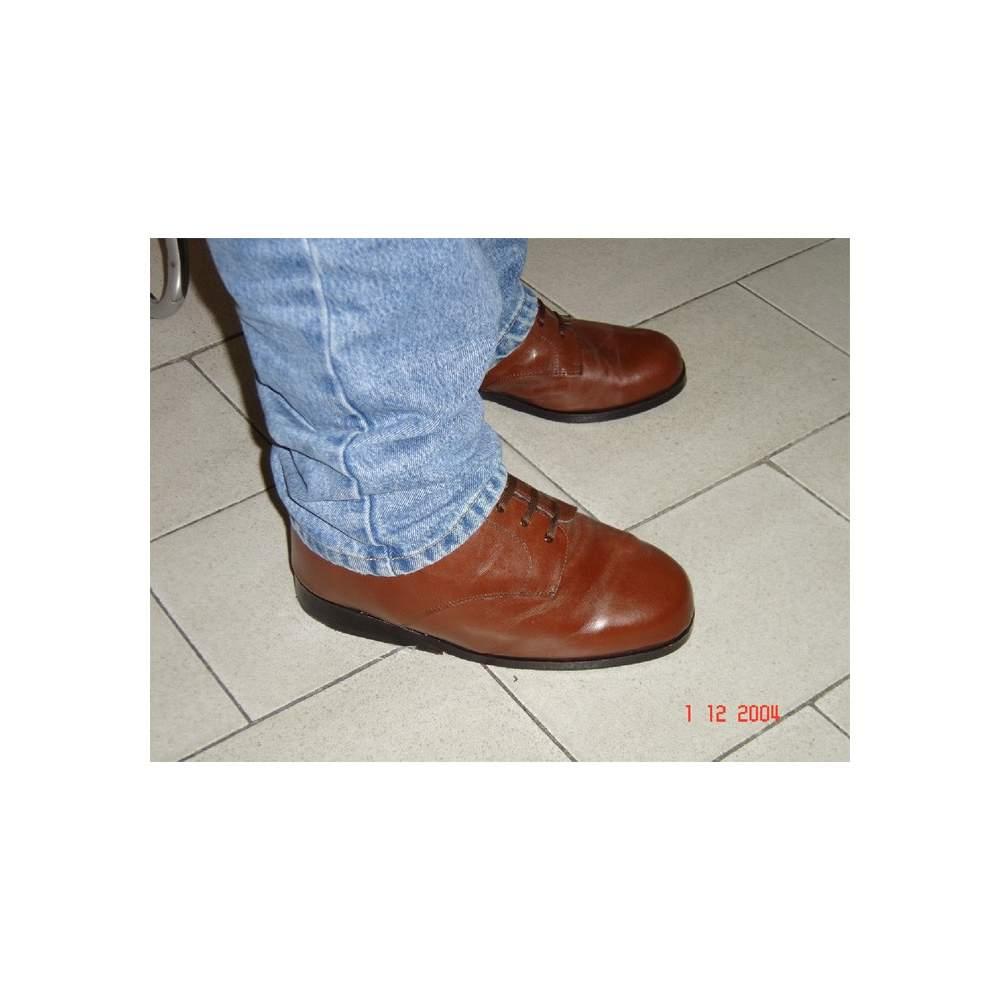 Cas 1 - chaussures orthopédiques CUSTOM - Cas 1. Chaque type de pied a besoin de solutions différentes et nous avons donc pris soin de faire les chaussures que vous avez besoin, vous offrant tout le confort et les soins...