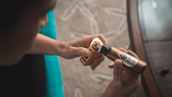 expertos-senalan-que-vapear-es-menos-danino-que-fumar-y-un-metodo-eficaz-para-dejar-el-tabaco